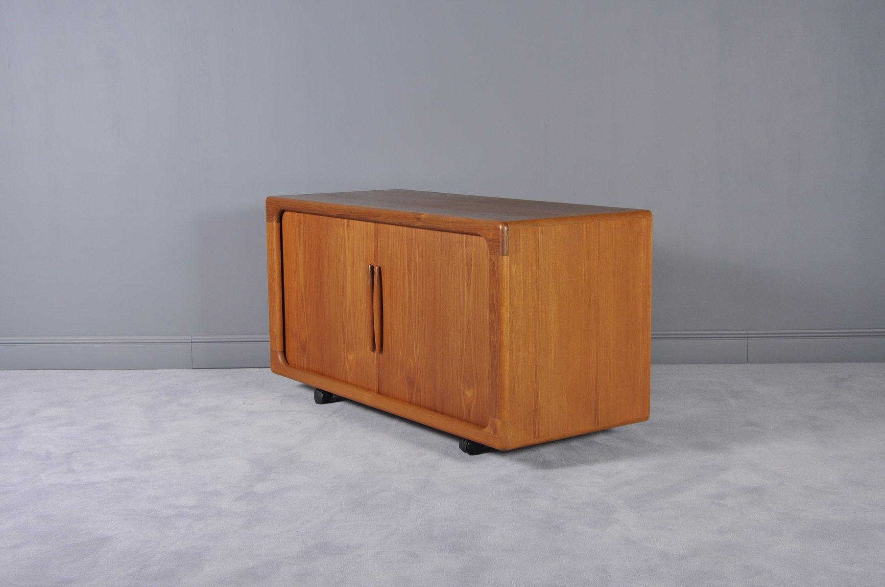 sideboard mit schiebet ren von dyrlund 1960er bei pamono. Black Bedroom Furniture Sets. Home Design Ideas