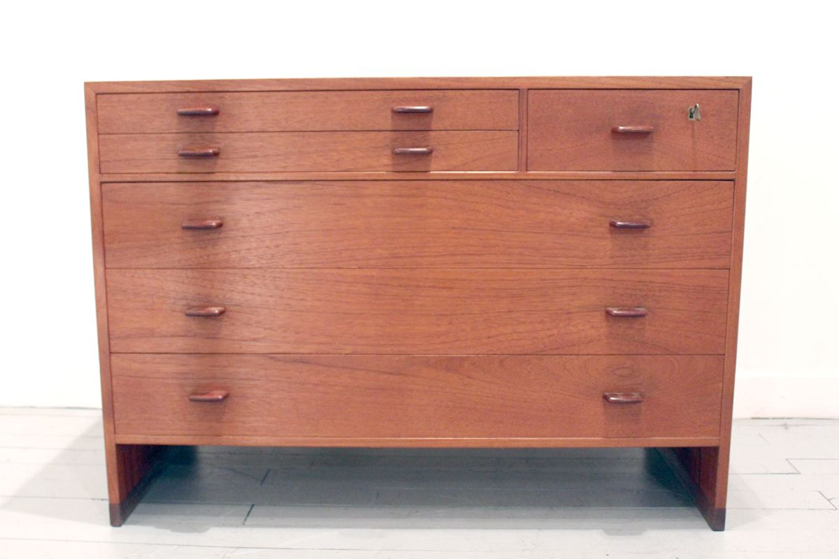 mid century kommode von hans wegner f r ry m bler bei. Black Bedroom Furniture Sets. Home Design Ideas