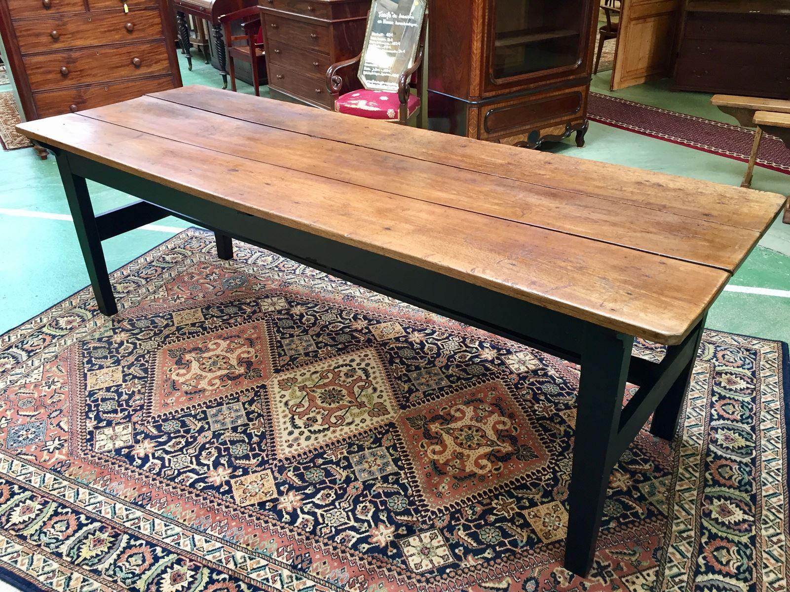 farmhaus tisch mit zwei b nken 19 jh bei pamono kaufen. Black Bedroom Furniture Sets. Home Design Ideas