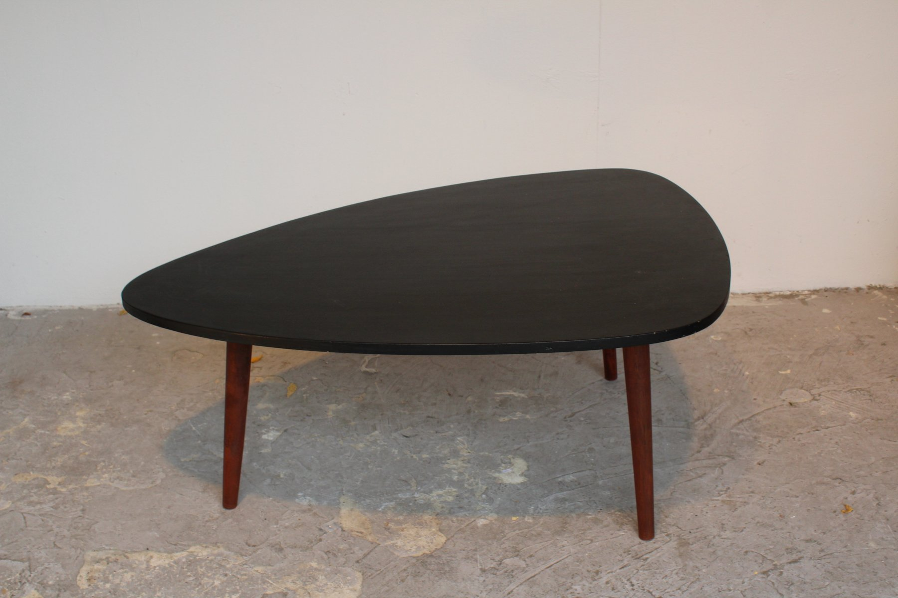 Vintage Tripod Coffee Table In Black Lacquered Wood For Sale At Pamono