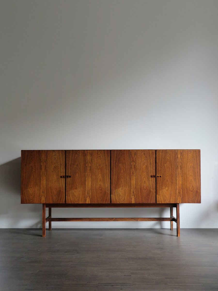 d nisches vintage sideboard von arne vodder bei pamono kaufen. Black Bedroom Furniture Sets. Home Design Ideas