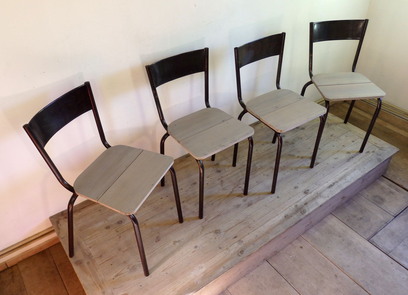 Mullca 510 industrial chairs 1960s set of 4 for sale at for Chaise mullca 510