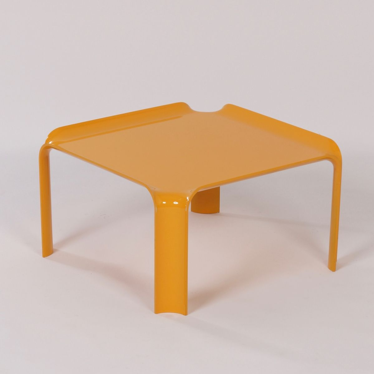 small yellow 877 coffee table by pierre paulin for artifort 1960s for sale at pamono. Black Bedroom Furniture Sets. Home Design Ideas