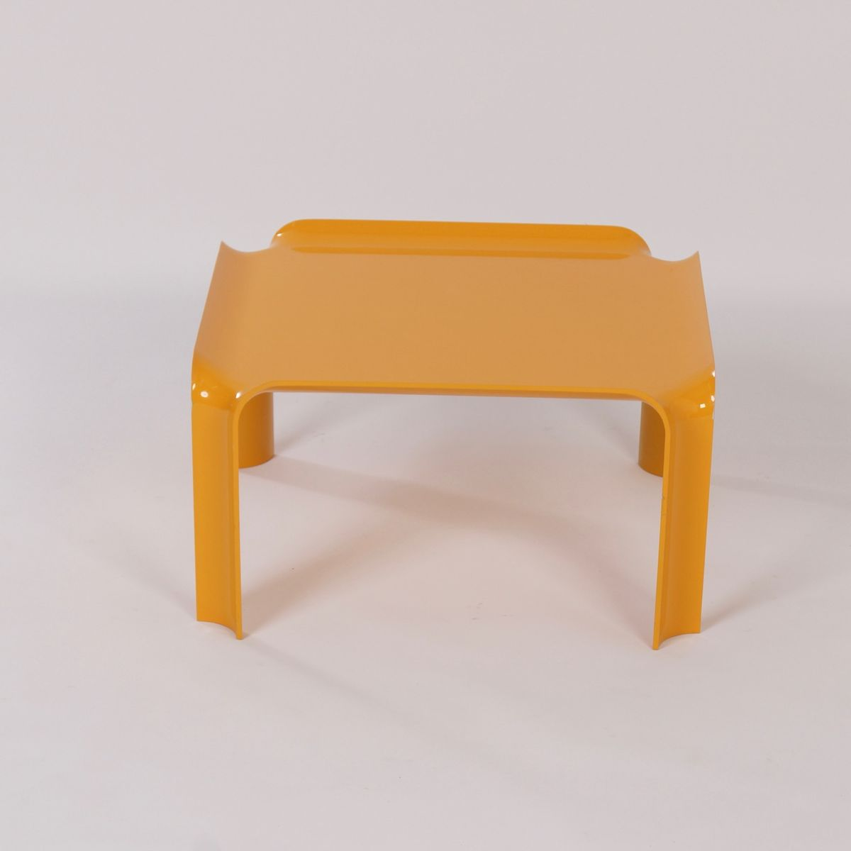 Small Yellow 877 Coffee Table By Pierre Paulin For Artifort 1960s For Sale At Pamono