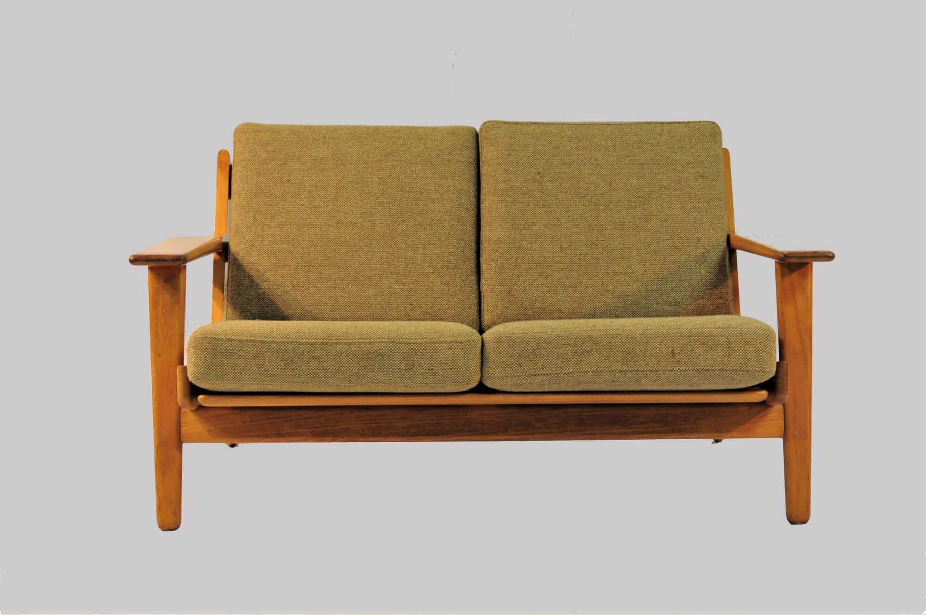 model ge 290 2 sofa by hans j wegner for getama 1950s for sale at pamono. Black Bedroom Furniture Sets. Home Design Ideas