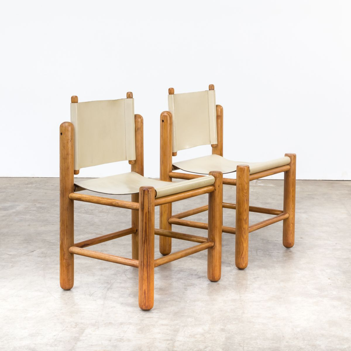 Pine dining room set by knud friis elmar moltke nielsen for Q station dining room