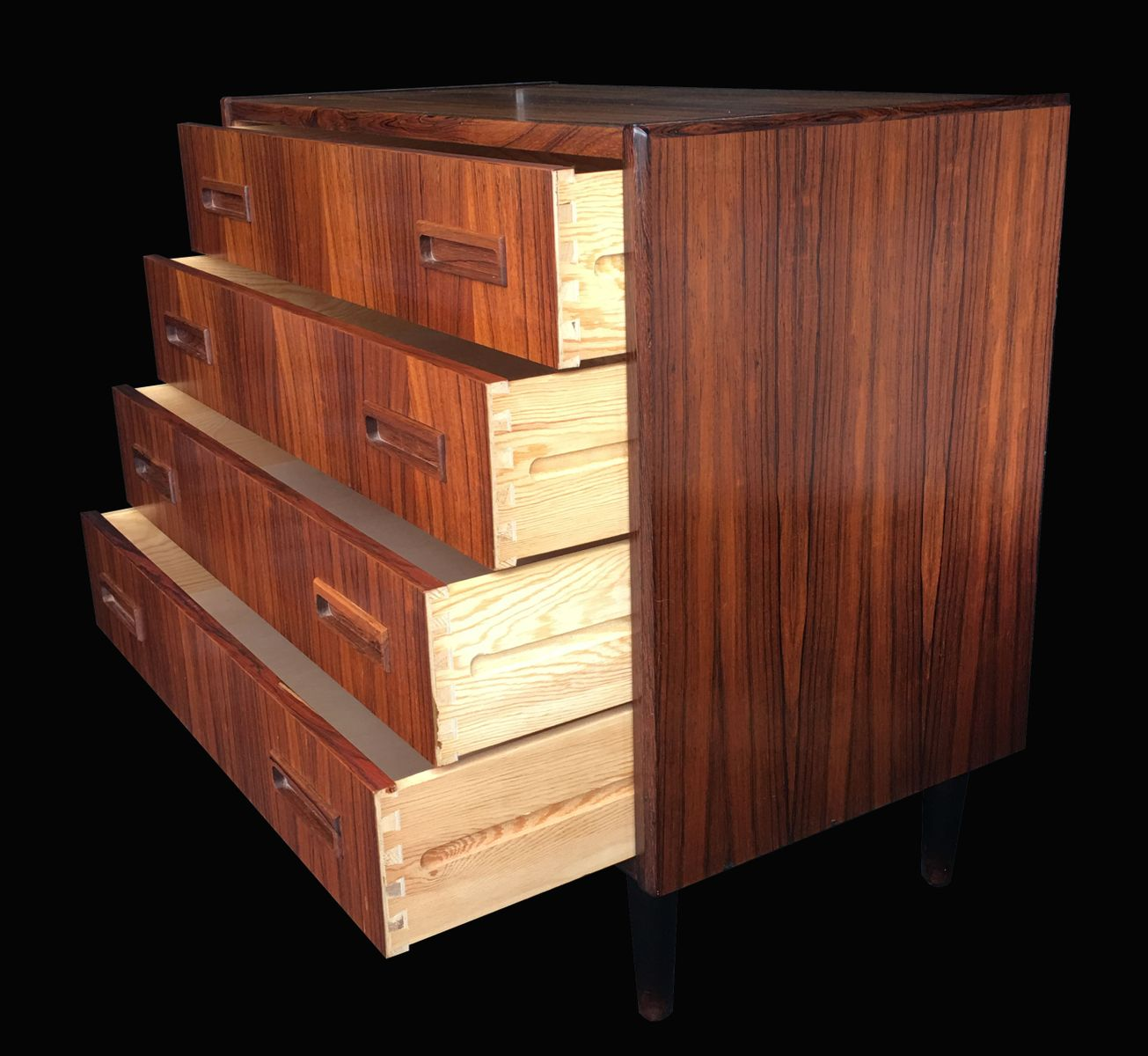 kleine d nische mid century kommode 1960er bei pamono kaufen. Black Bedroom Furniture Sets. Home Design Ideas