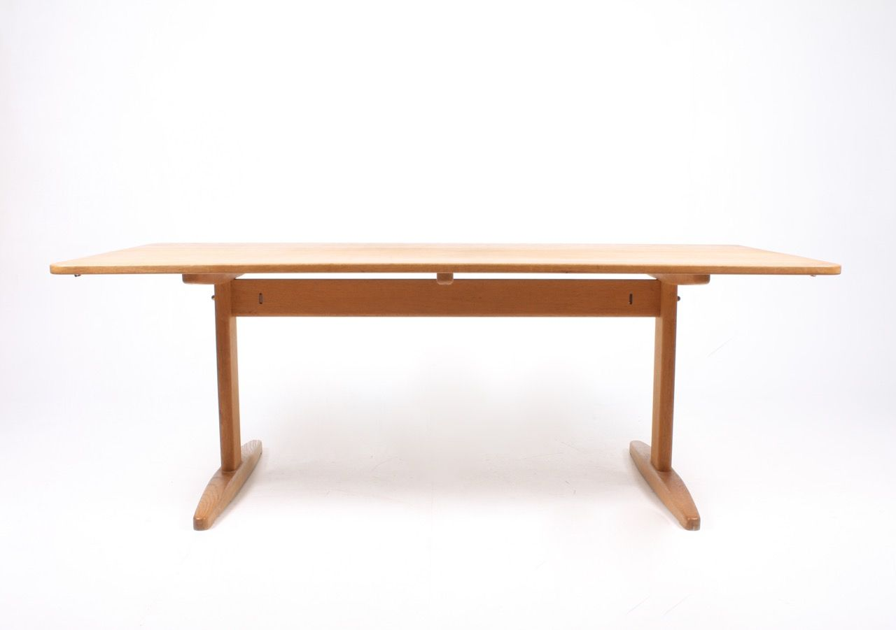 Solid oak dining table by b rge mogensen for c m madsen for Solid oak dining table