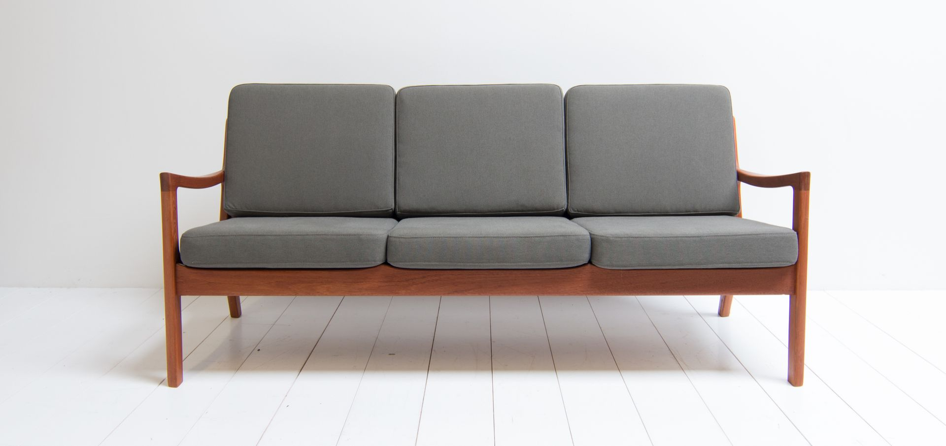 d nisches drei sitzer sofa von ole wanscher f r france s n 1960er bei pamono kaufen. Black Bedroom Furniture Sets. Home Design Ideas