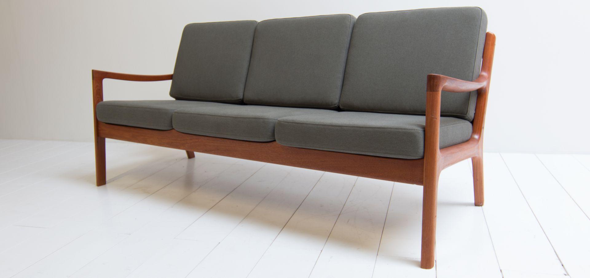 d nisches drei sitzer sofa von ole wanscher f r france. Black Bedroom Furniture Sets. Home Design Ideas