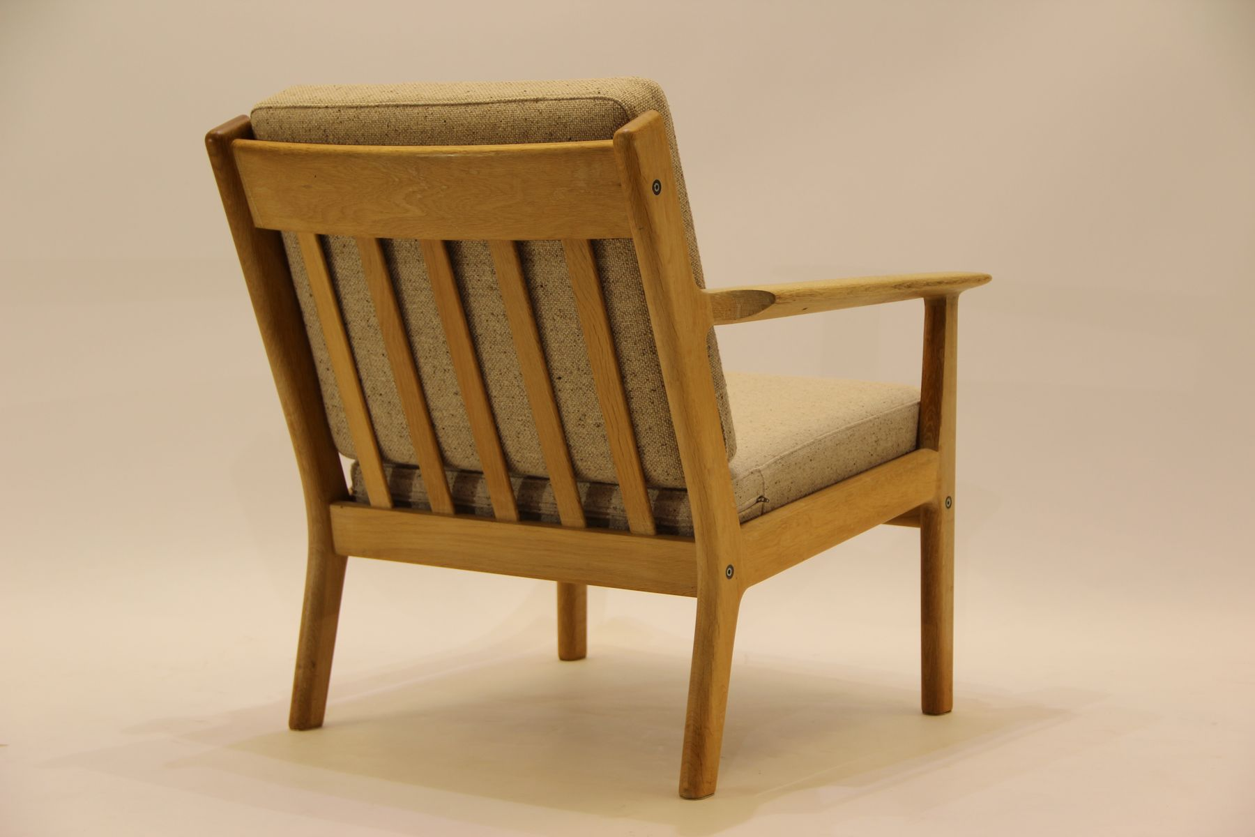 fauteuil ge 265 vintage par hans j wegner pour getama en. Black Bedroom Furniture Sets. Home Design Ideas