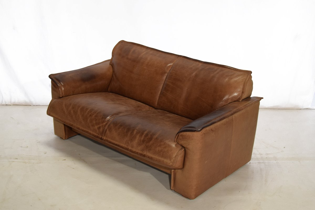 vintage cognac leather two seater sofa from leolux for sale at pamono. Black Bedroom Furniture Sets. Home Design Ideas