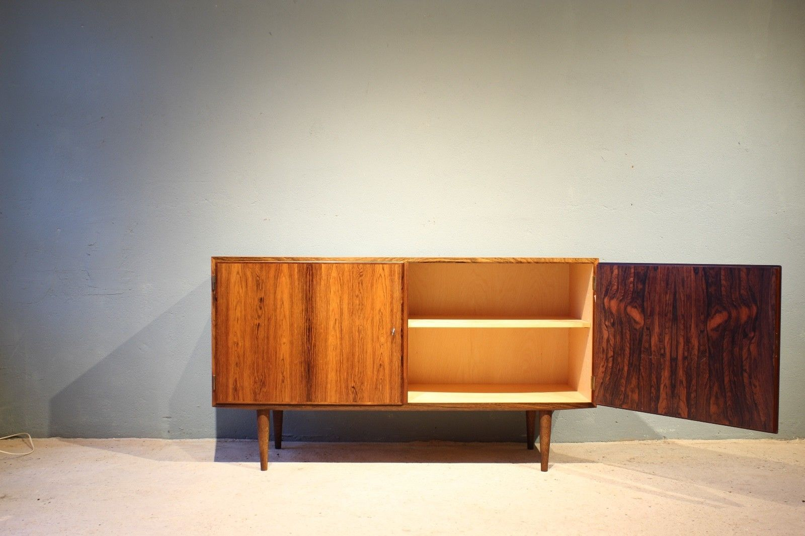 d nisches mid century sideboard von poul hundevad f r hundevad co 1960er bei pamono kaufen. Black Bedroom Furniture Sets. Home Design Ideas