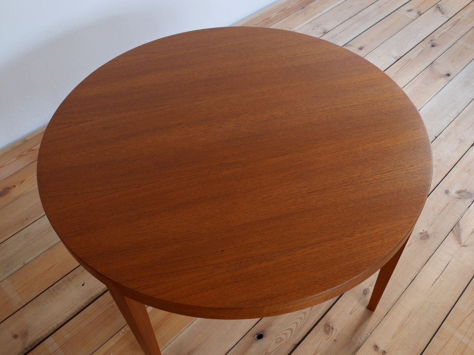 Danish teak round coffee table by severin hansen for haslev 1960s 105000 geotapseo Choice Image
