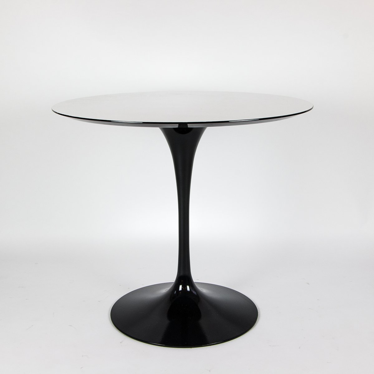 vintage tulip table by eero saarinen for knoll for sale at pamono. Black Bedroom Furniture Sets. Home Design Ideas