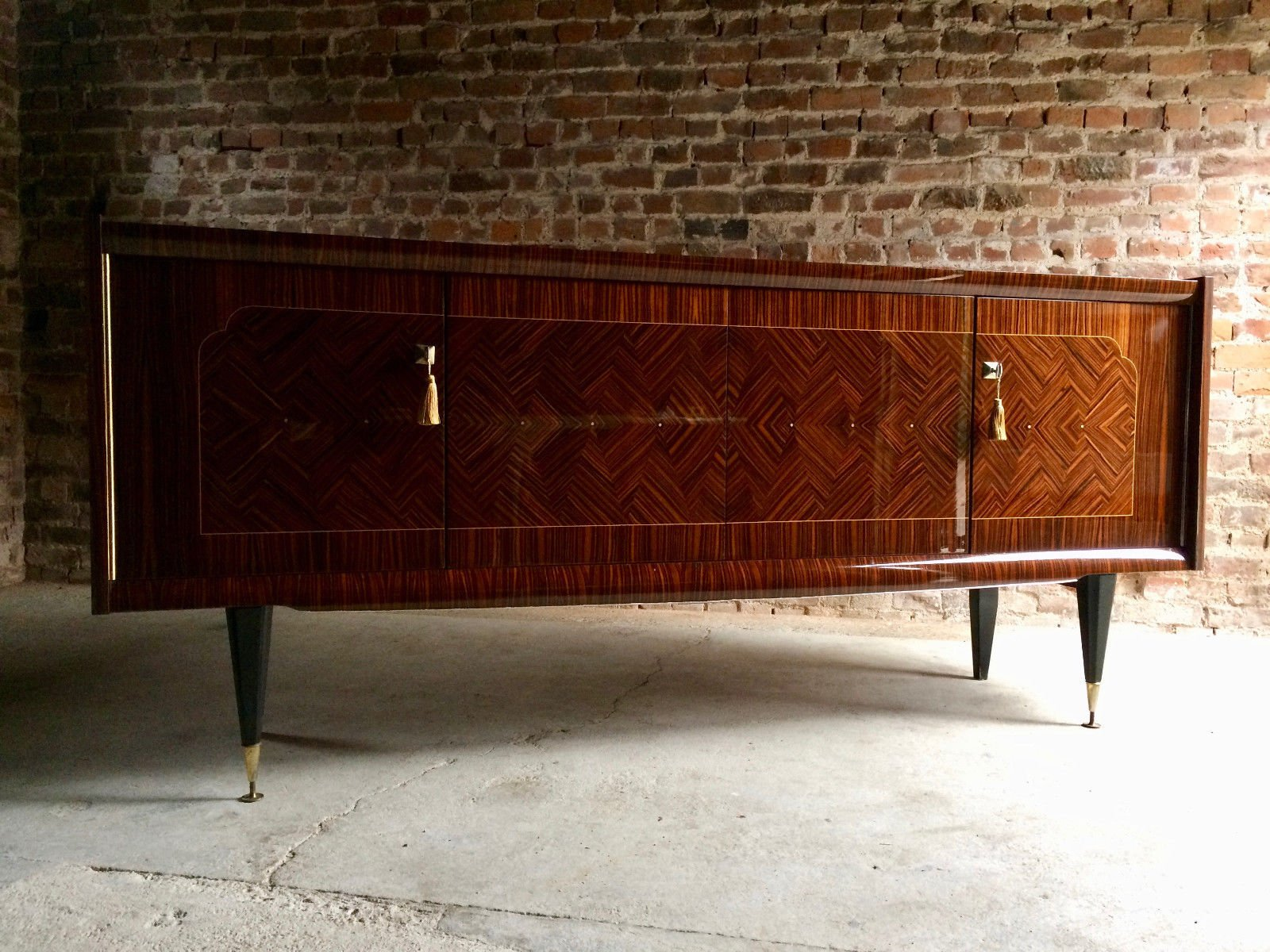 franz sisches gro es sideboard 1940er bei pamono kaufen. Black Bedroom Furniture Sets. Home Design Ideas