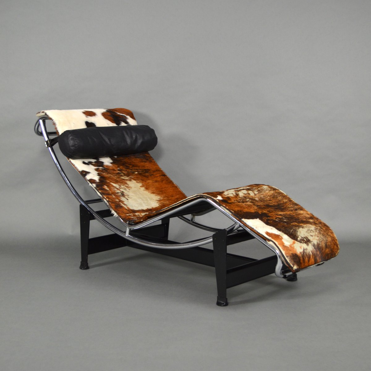 lc4 chaise lounge by le corbusier for cassina 1960s for sale at pamono. Black Bedroom Furniture Sets. Home Design Ideas