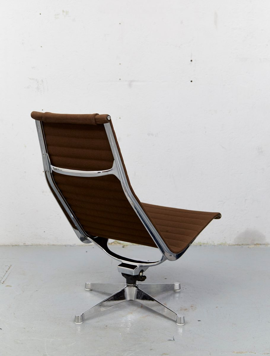 Vintage ea124 lounge chair by charles ray eames for for Eames chair nachbau deutschland