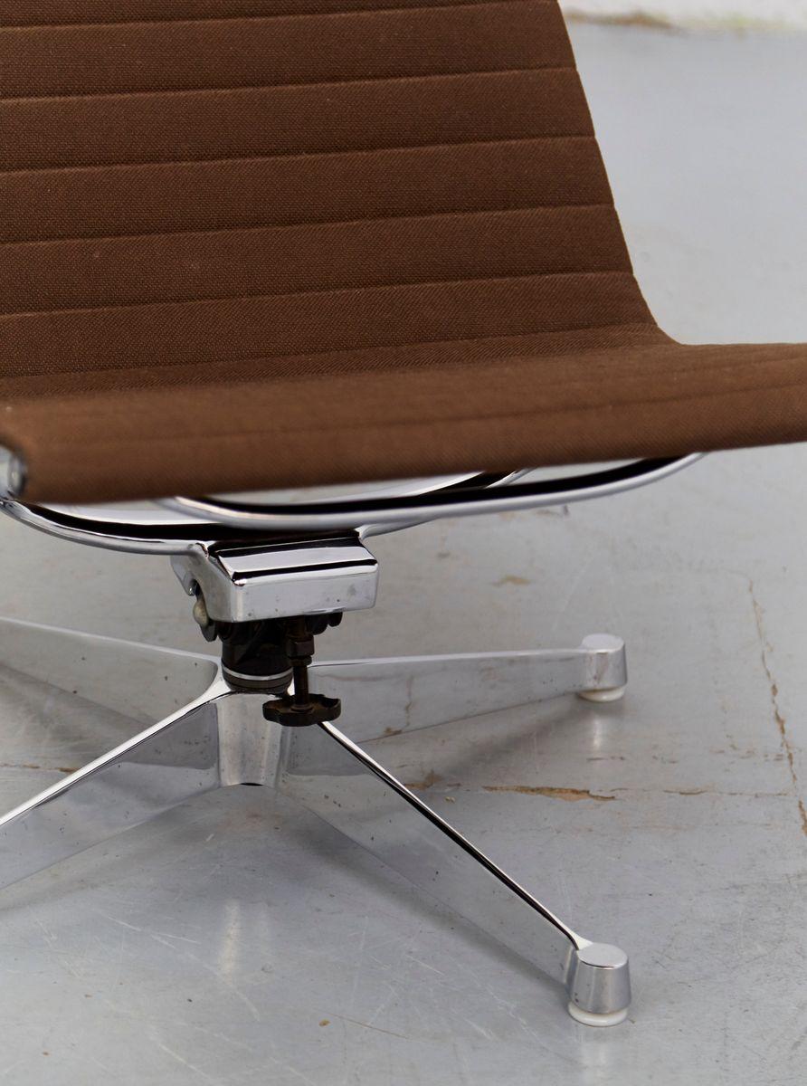 vintage ea124 stuhl von charles ray eames f r herman miller bei pamono kaufen. Black Bedroom Furniture Sets. Home Design Ideas