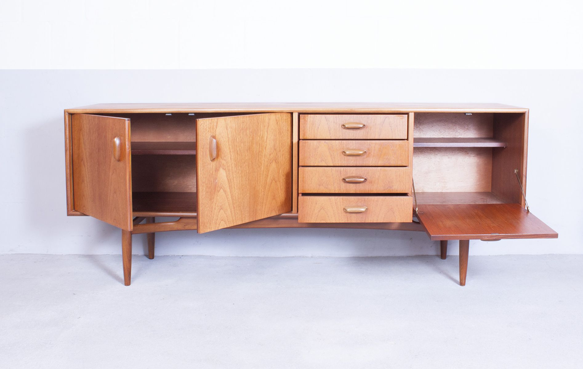Mid Century Sideboard In Teak By Victor Wilkins For G Plan At Pamono