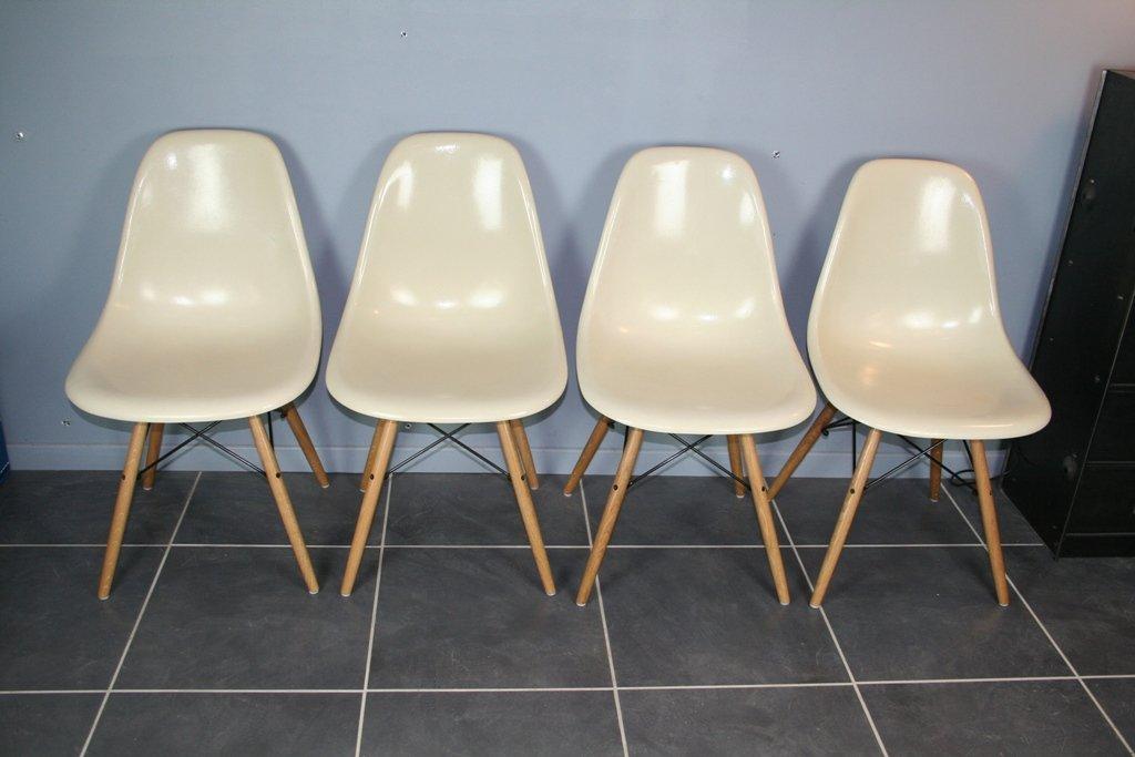 st hle von charles ray eames f r herman miller 1950er 4er set bei pamono kaufen. Black Bedroom Furniture Sets. Home Design Ideas