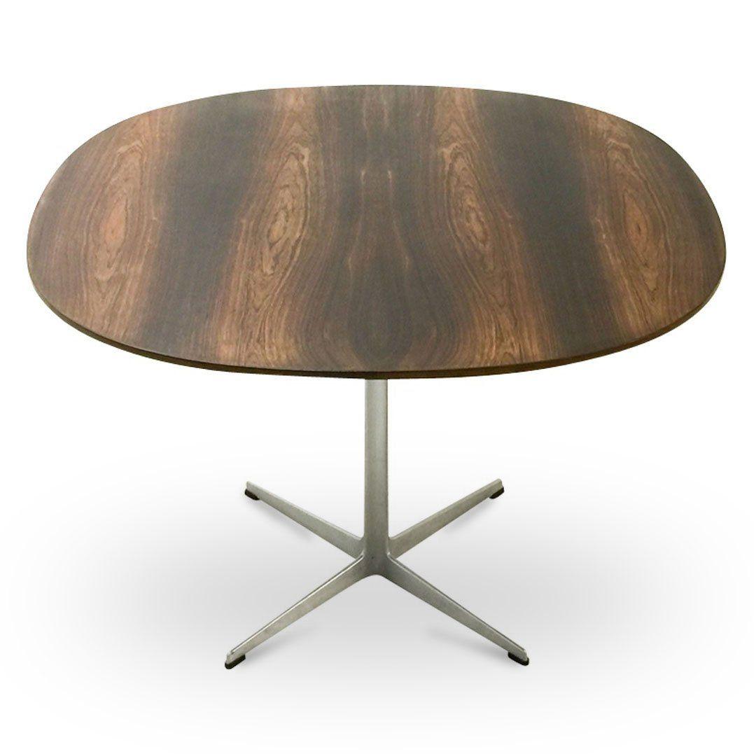 tisch aus palisander von arne jacobsen f r fritz hansen. Black Bedroom Furniture Sets. Home Design Ideas