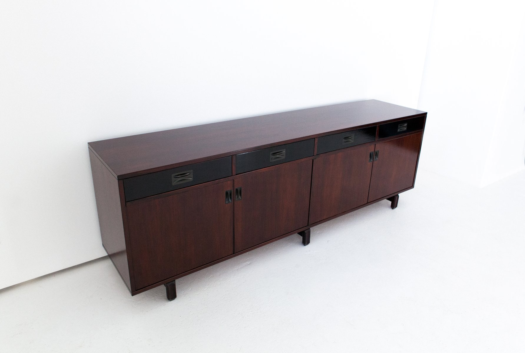italienisches palisander sideboard von stildomus 1960er. Black Bedroom Furniture Sets. Home Design Ideas