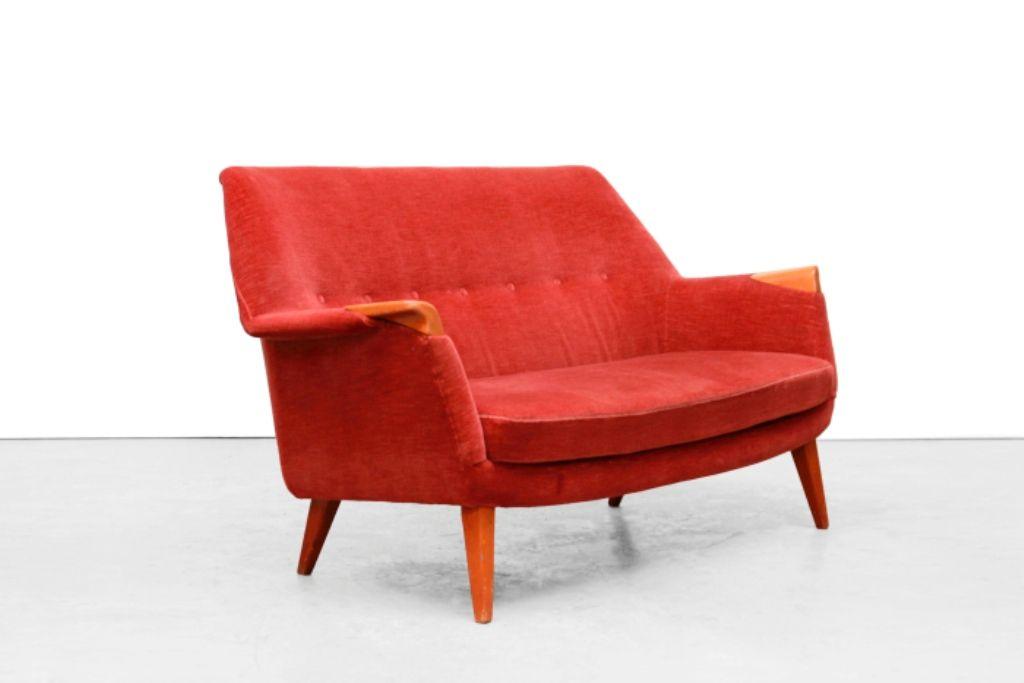 d nisches mid century sofa in rotem samtbezug bei pamono kaufen. Black Bedroom Furniture Sets. Home Design Ideas