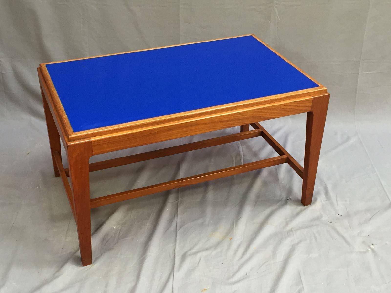couchtisch aus teak mit blauer glasplatte 1970er bei. Black Bedroom Furniture Sets. Home Design Ideas