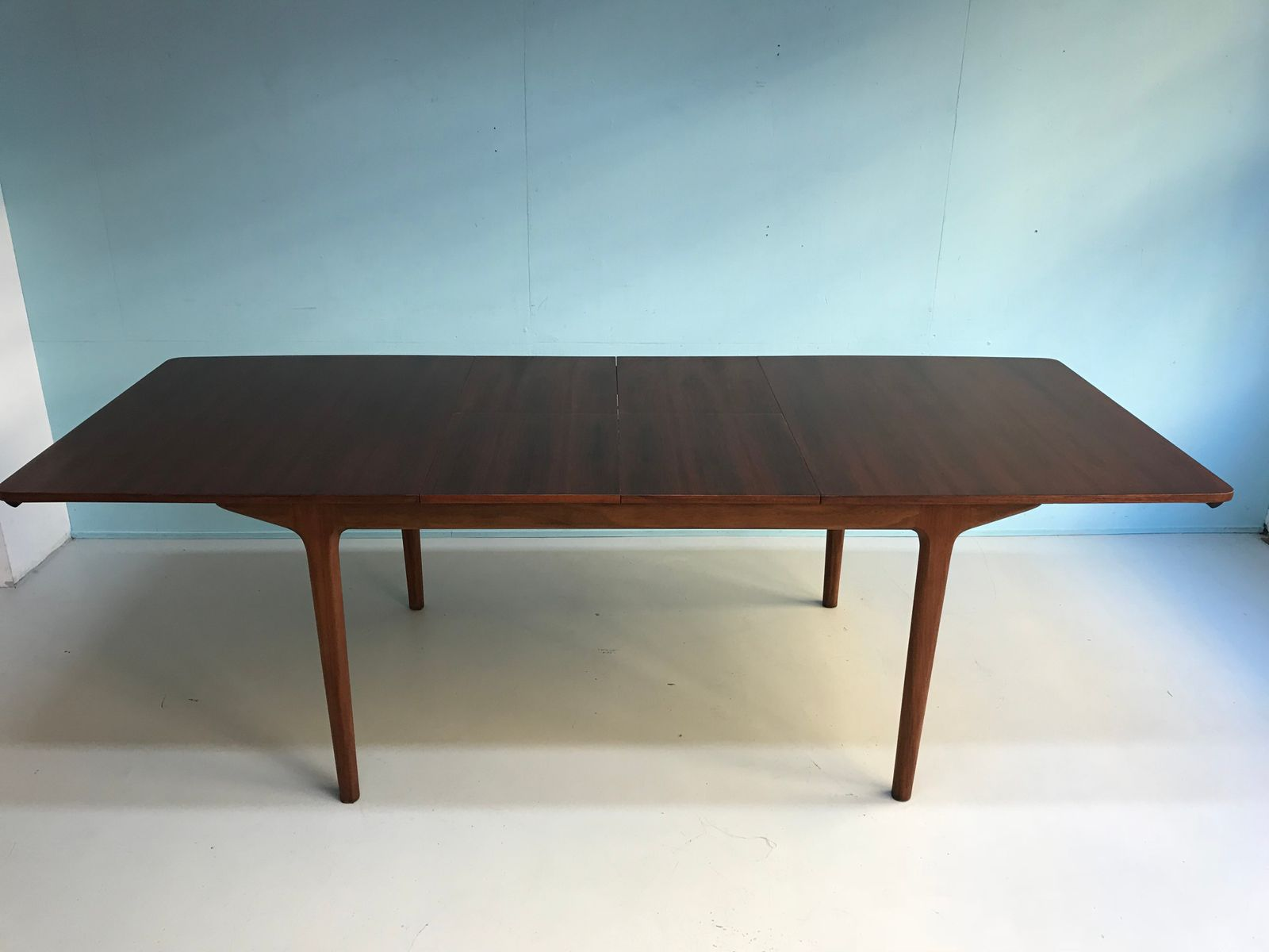 Mid Century Rosewood Dining Table from Mcintosh for sale  : mid century rosewood dining table from mcintosh 9 from www.pamono.co.uk size 1600 x 1200 jpeg 62kB
