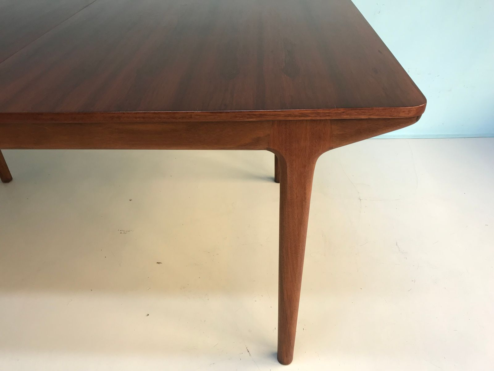 Mid Century Rosewood Dining Table from Mcintosh for sale  : mid century rosewood dining table from mcintosh 2 from www.pamono.com size 1600 x 1200 jpeg 61kB