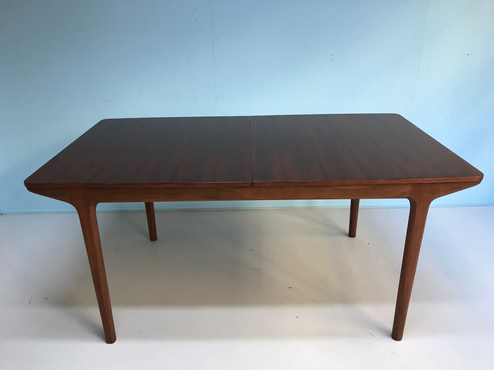 Mid Century Rosewood Dining Table from Mcintosh for sale  : mid century rosewood dining table from mcintosh 1 from www.pamono.com size 1600 x 1200 jpeg 64kB