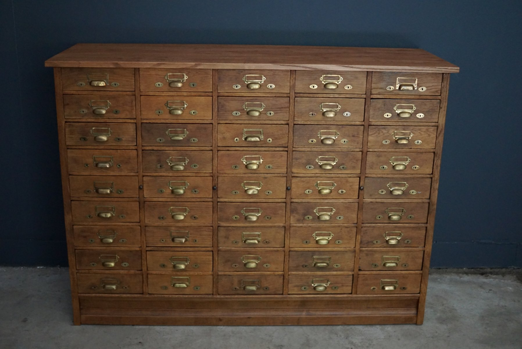 Dutch oak apothecary cabinet 1900s for sale at pamono for Apothecary kitchen cabinets