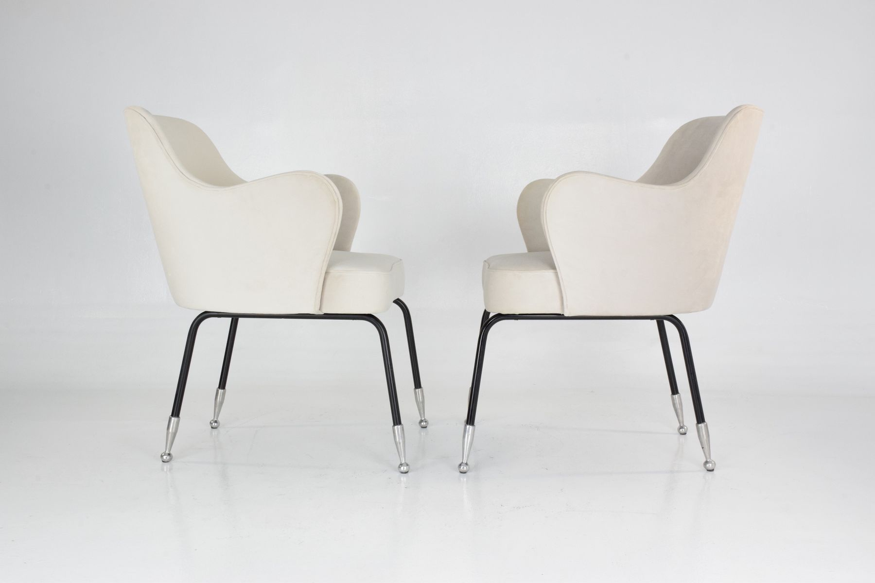 Kurvige italienische sessel 1950er 2er set bei pamono kaufen for Italienische sessel design