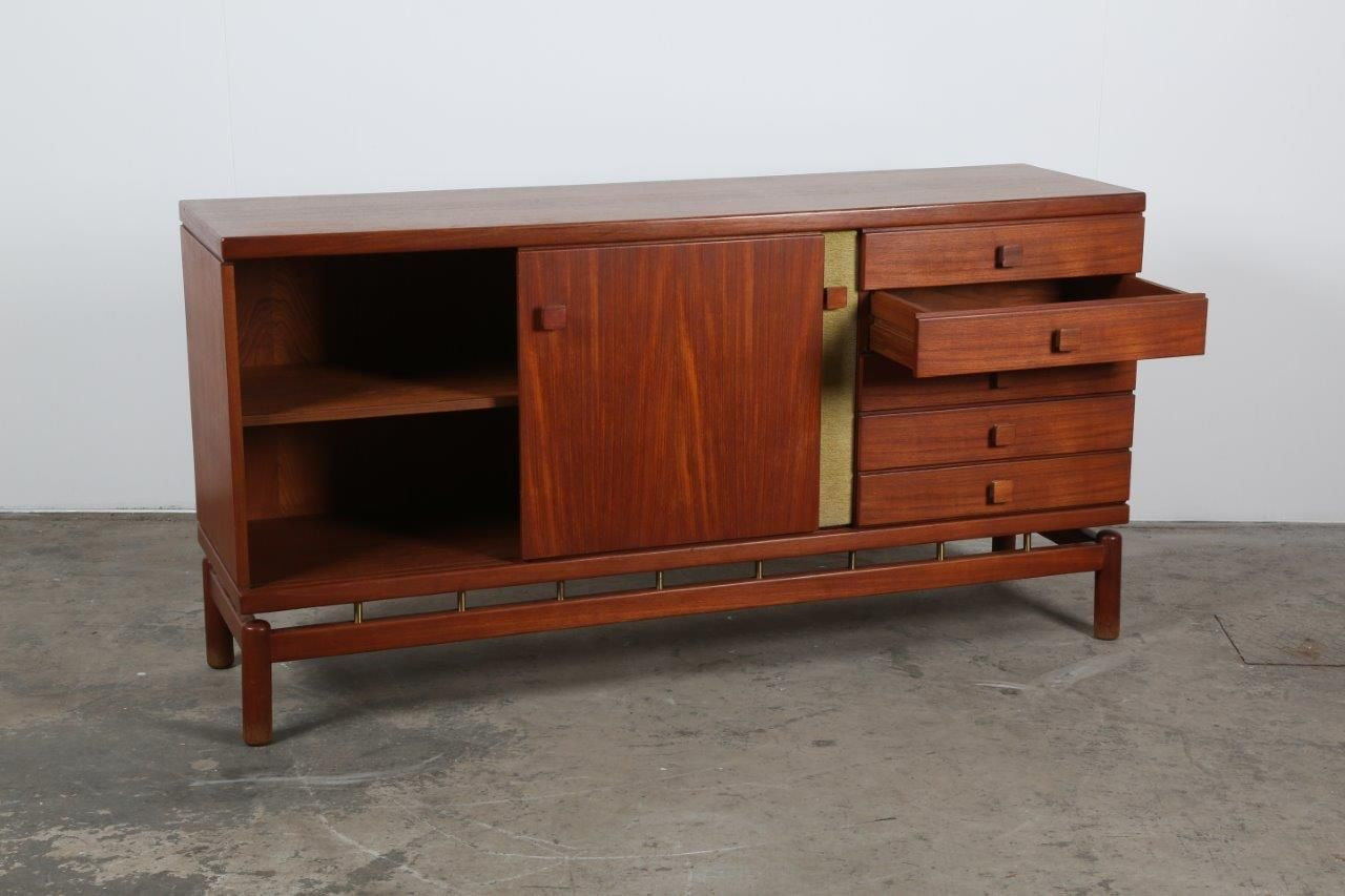 italienisches mid century sideboard von ilmari tapiovaara. Black Bedroom Furniture Sets. Home Design Ideas