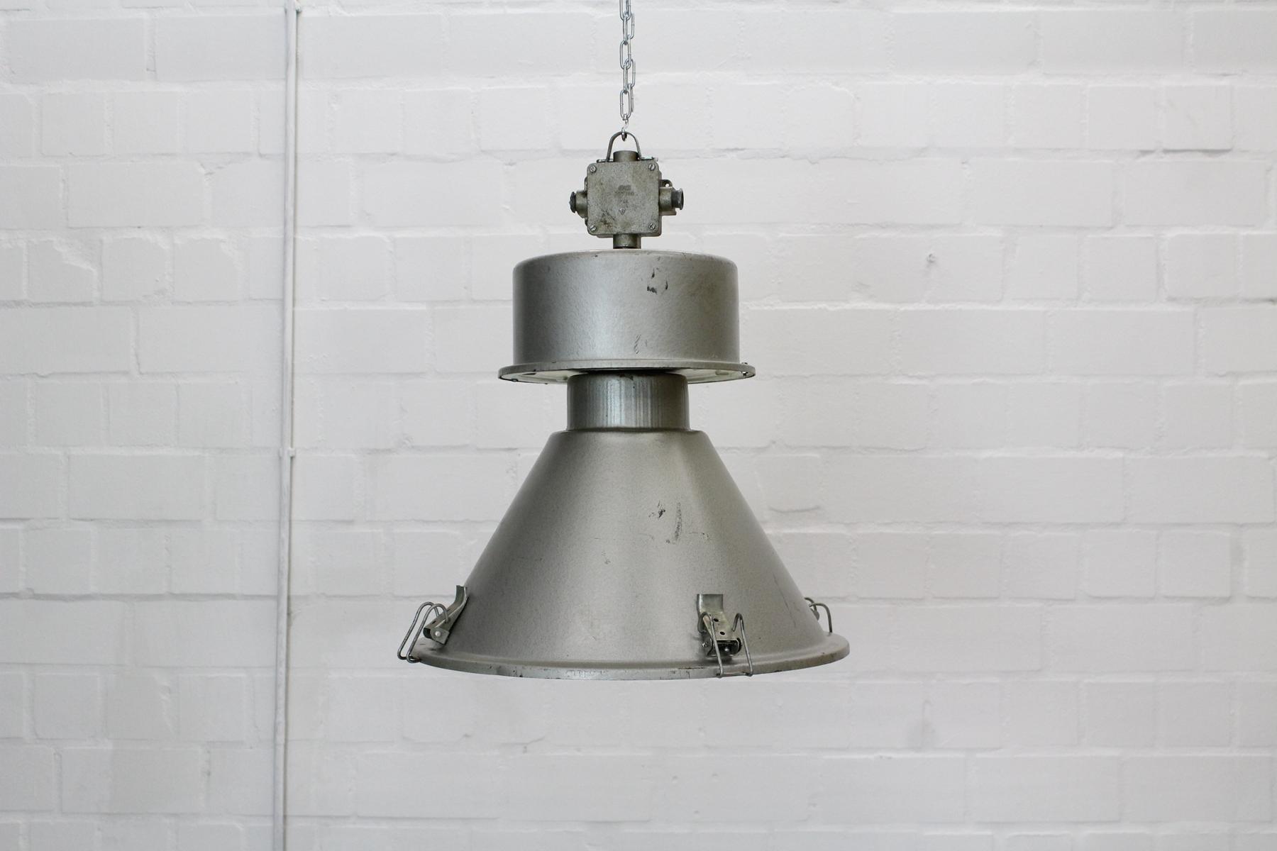 industrielle vintage deckenlampe bei pamono kaufen. Black Bedroom Furniture Sets. Home Design Ideas