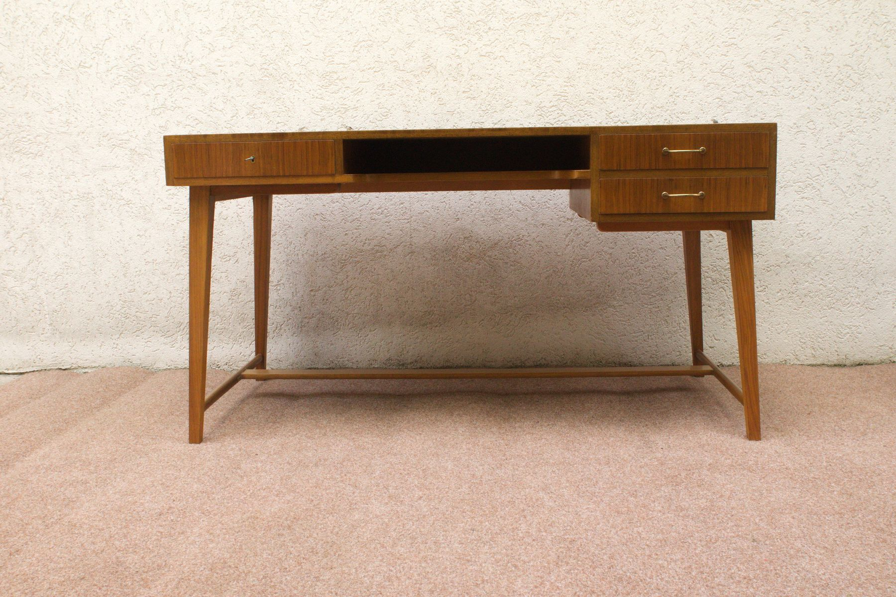 mid century 468 walnut desk by georg satink for wk m bel. Black Bedroom Furniture Sets. Home Design Ideas