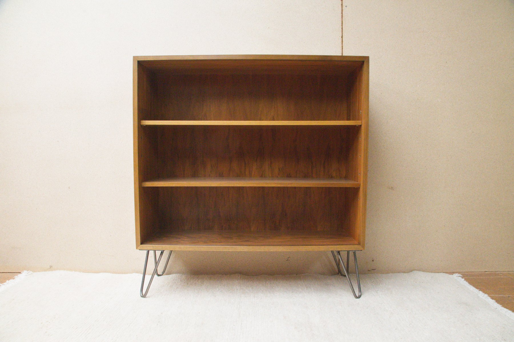 vintage b cherregal aus nussholz von georg satink f r wk. Black Bedroom Furniture Sets. Home Design Ideas