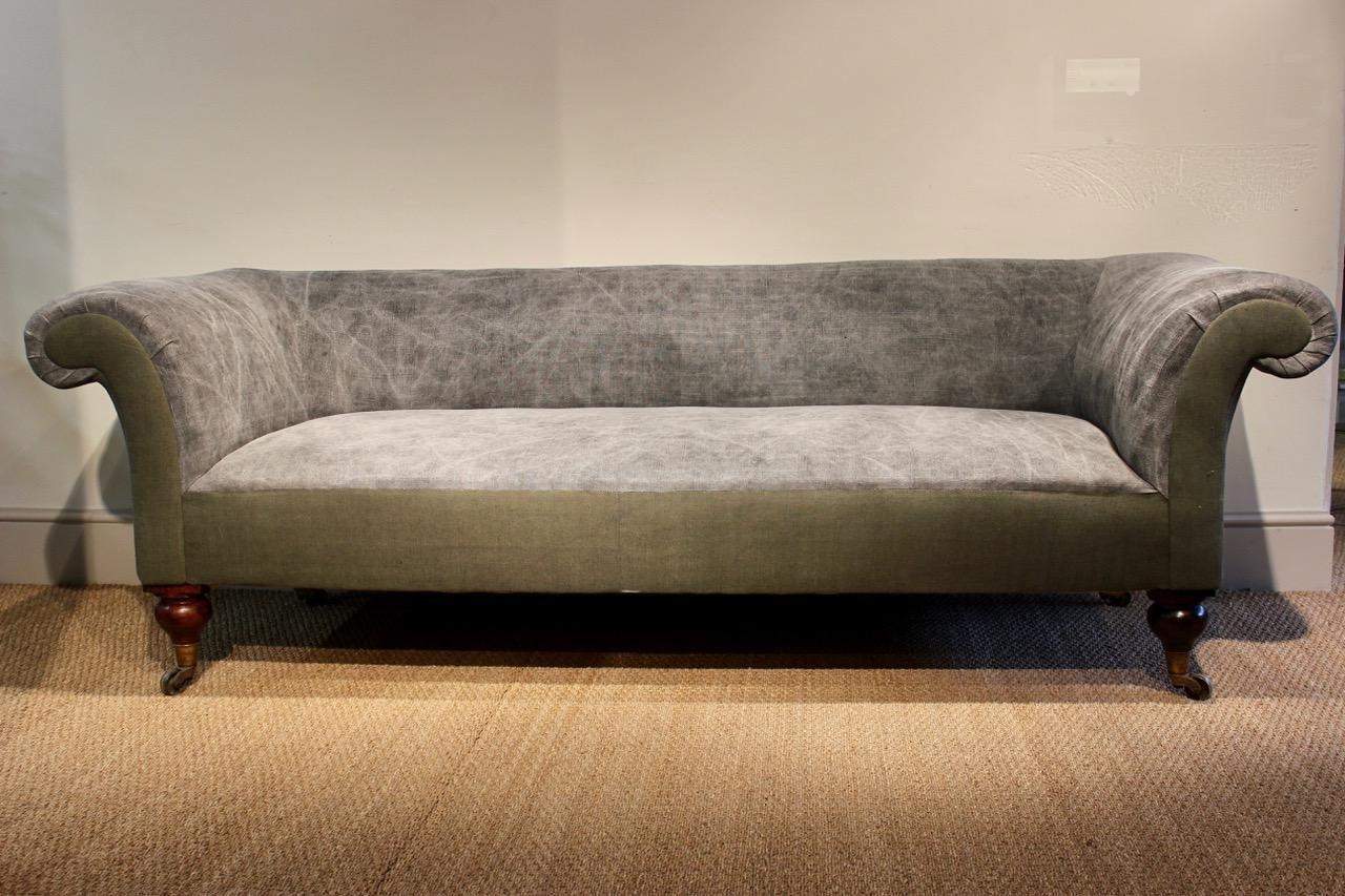 Groes englisches landhaus sofa 19 jh bei pamono kaufen groes englisches landhaus sofa 19 jh parisarafo Images