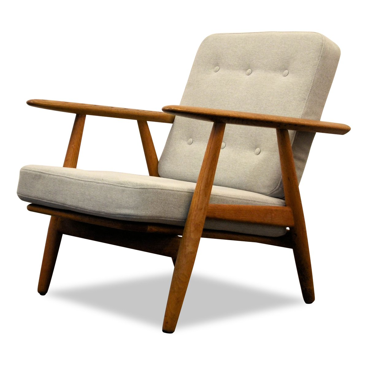 vintage oak cigar ge 240 lounge chair by hans j wegner. Black Bedroom Furniture Sets. Home Design Ideas