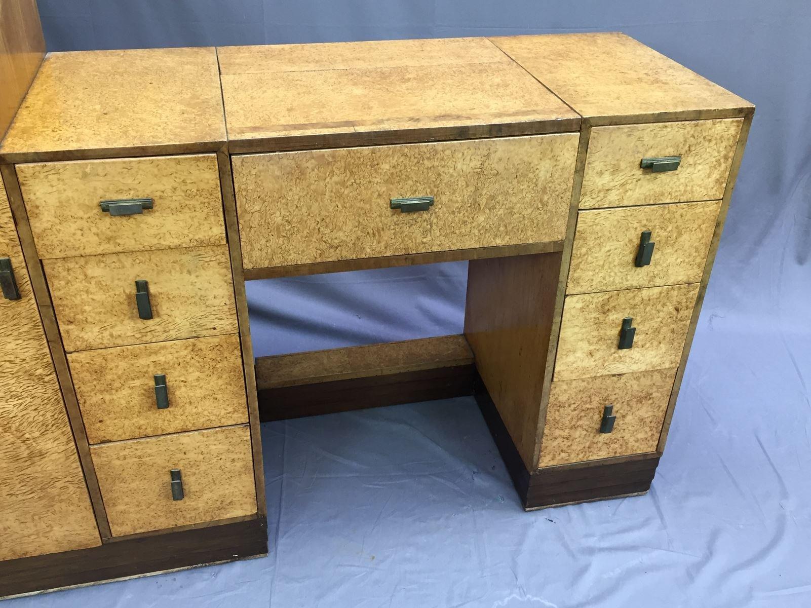 art deco schreibtisch und hocker aus r ster wurzel 1930er. Black Bedroom Furniture Sets. Home Design Ideas