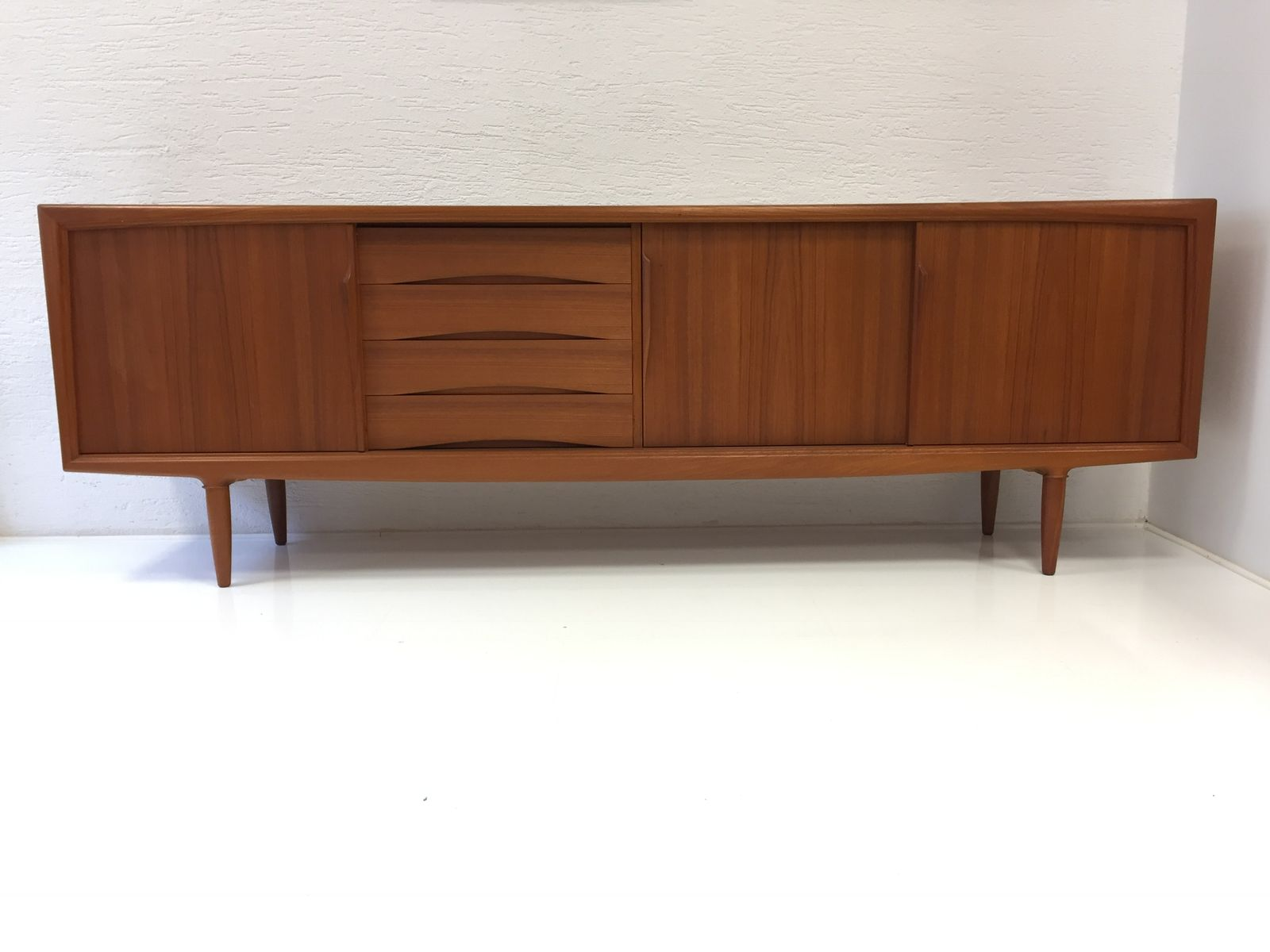 d nisches teak sideboard von axel christensen 1960er bei. Black Bedroom Furniture Sets. Home Design Ideas