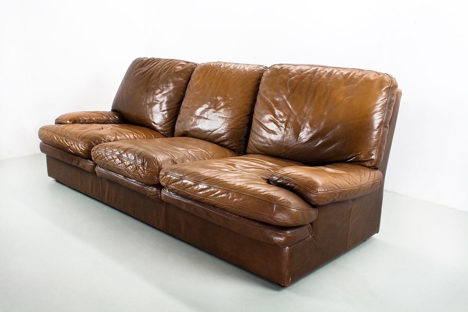 braunes mid century modern drei sitzer ledersofa bei. Black Bedroom Furniture Sets. Home Design Ideas