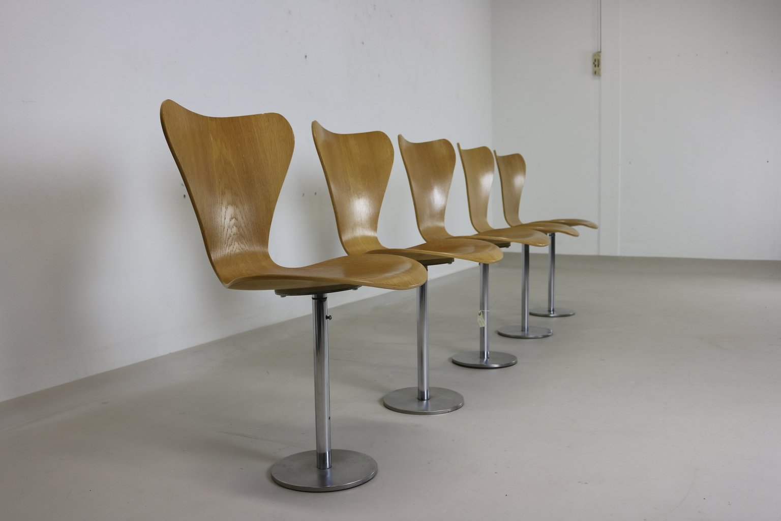 7 series chair by arne jacobsen for fritz hansen 1974 for sale at pamono. Black Bedroom Furniture Sets. Home Design Ideas