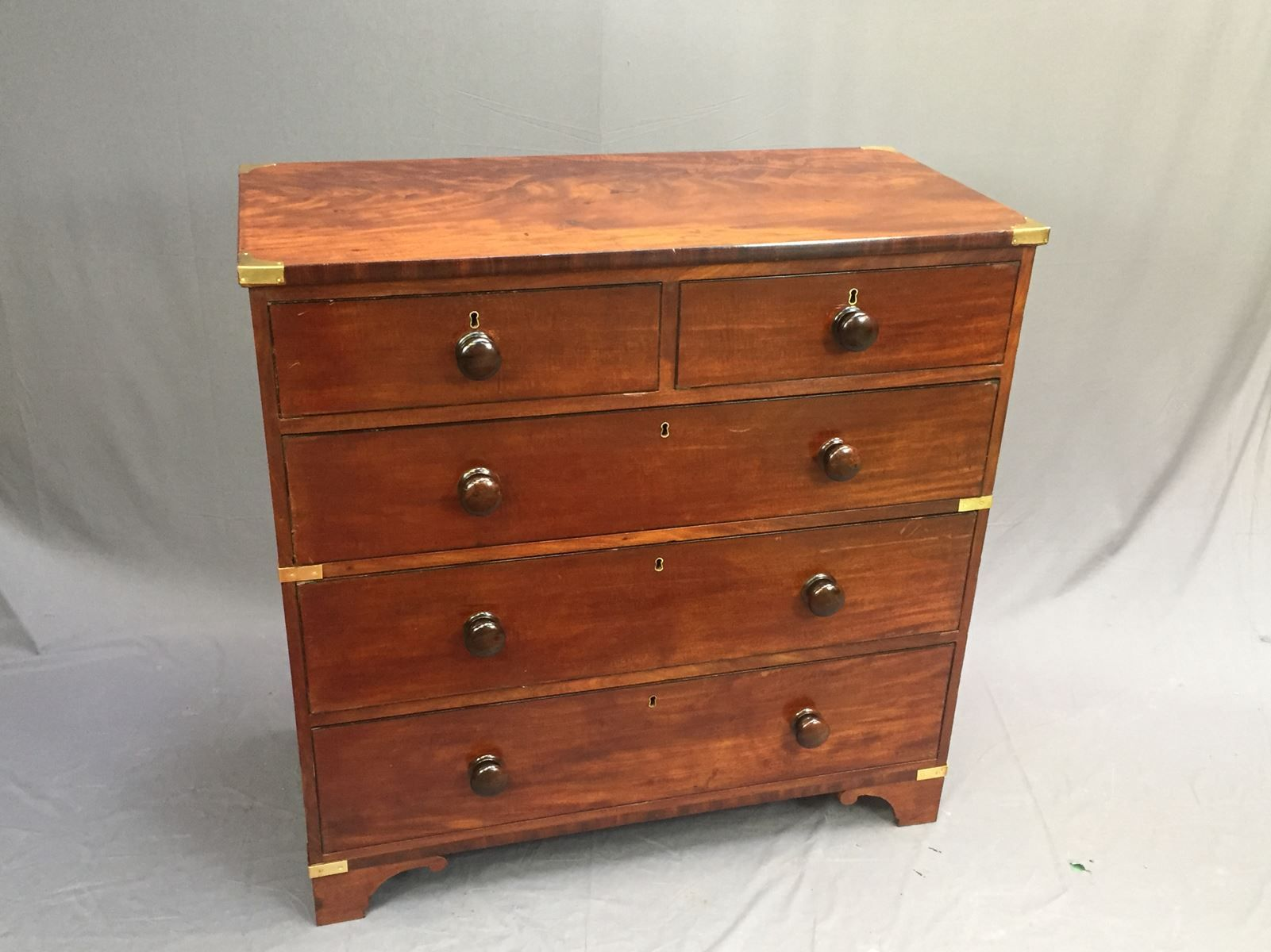 antique mahogany commode for sale at pamono. Black Bedroom Furniture Sets. Home Design Ideas
