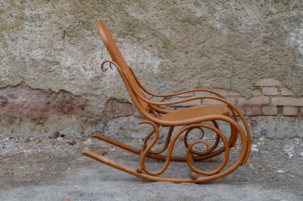 Antique Rocking Chair from Thonet, 1908 - Antique Rocking Chair From Thonet, 1908 For Sale At Pamono