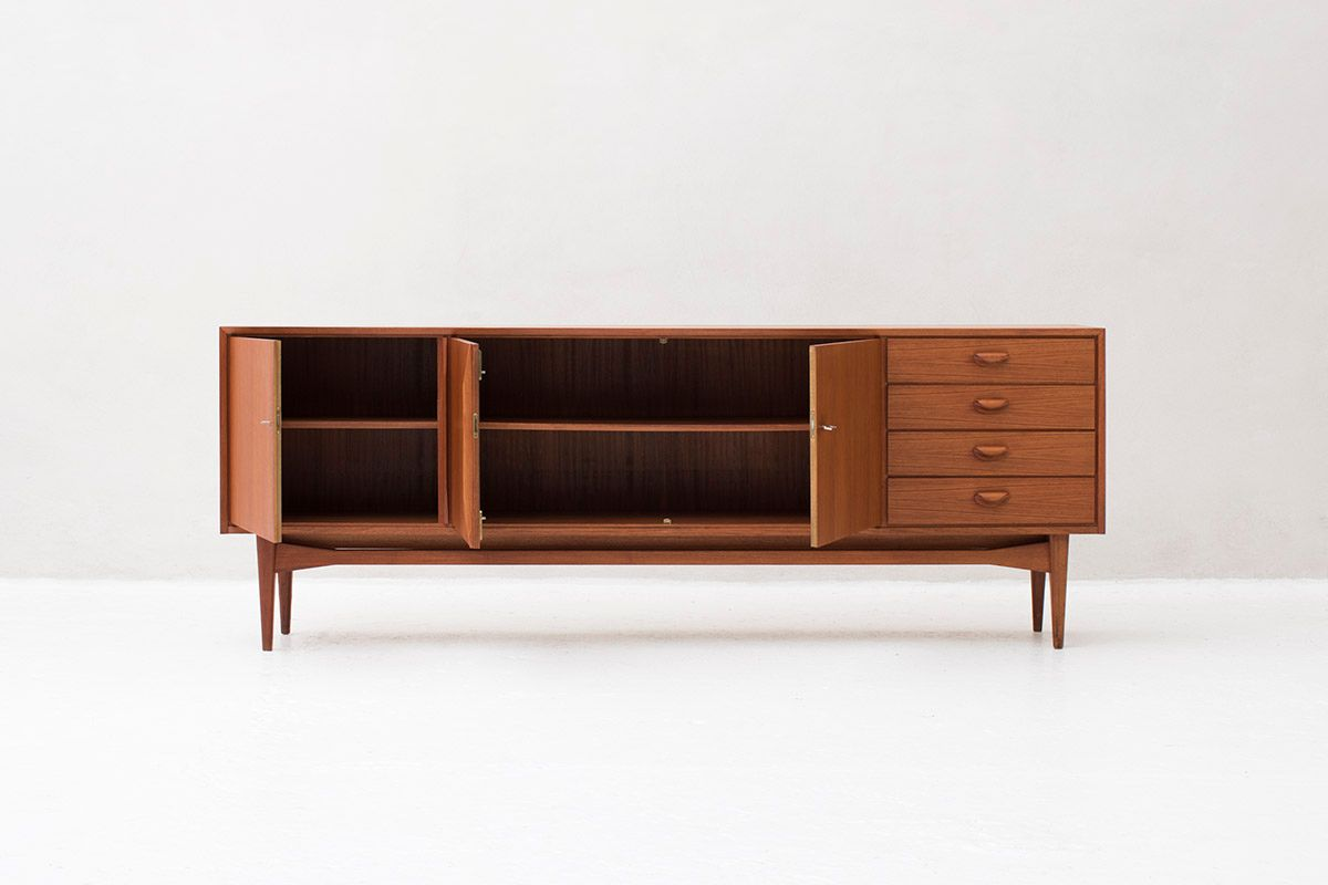gro es deutsches sideboard 1970er bei pamono kaufen. Black Bedroom Furniture Sets. Home Design Ideas