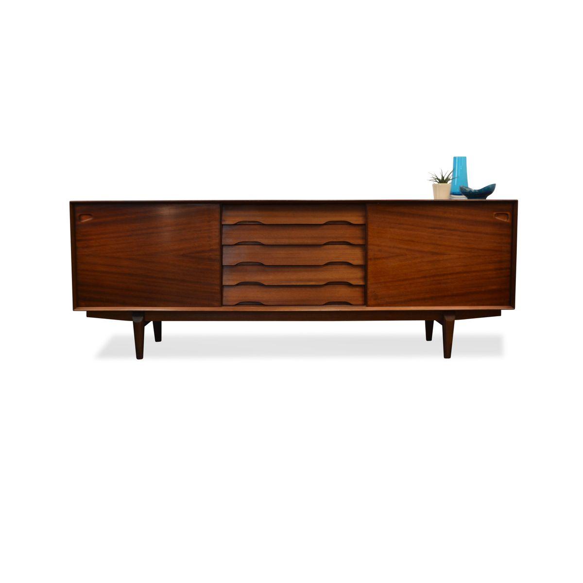 danish rosewood sideboard by henry rosengren for skovby. Black Bedroom Furniture Sets. Home Design Ideas