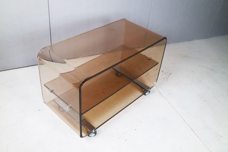 mid century rauch plexiglas regal auf rollen 1970er bei. Black Bedroom Furniture Sets. Home Design Ideas