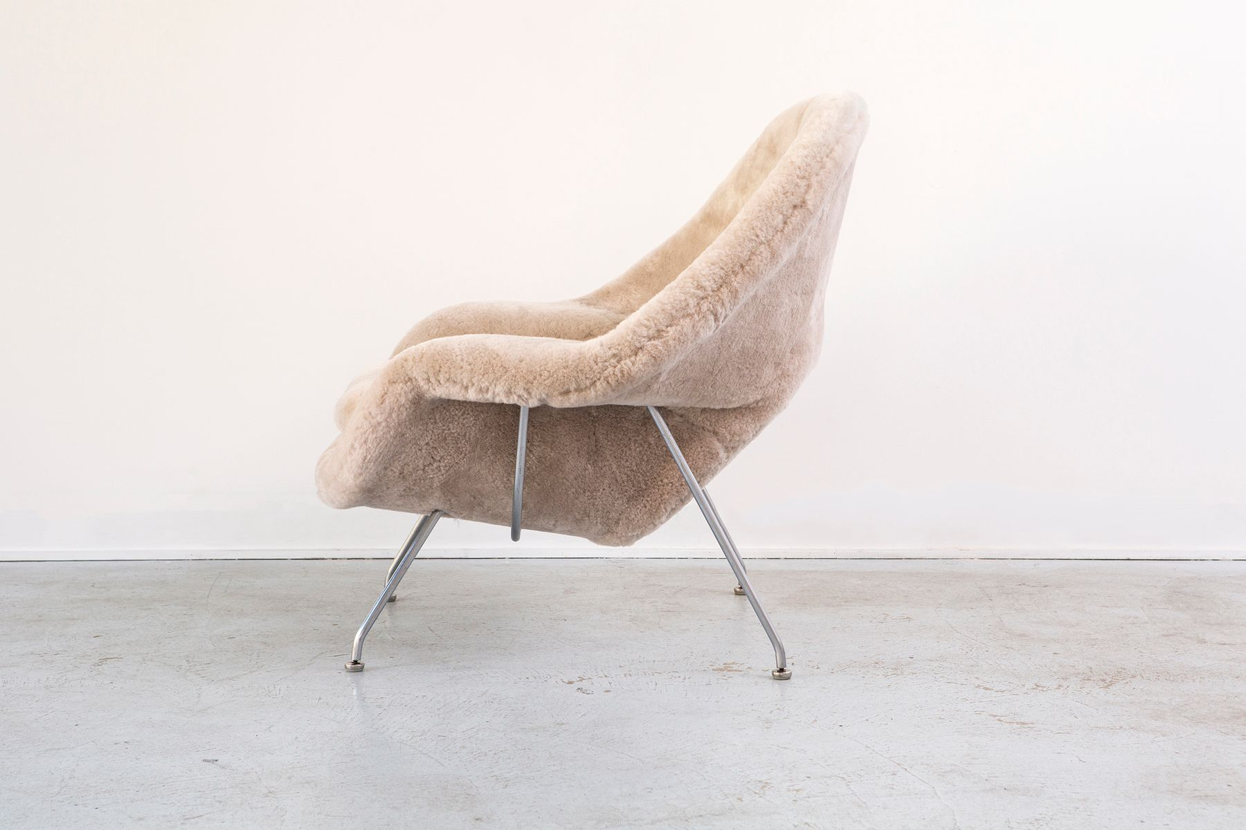 Womb chair by eero saarinen for knoll international 1960s for sale at pamono - Vintage womb chair for sale ...
